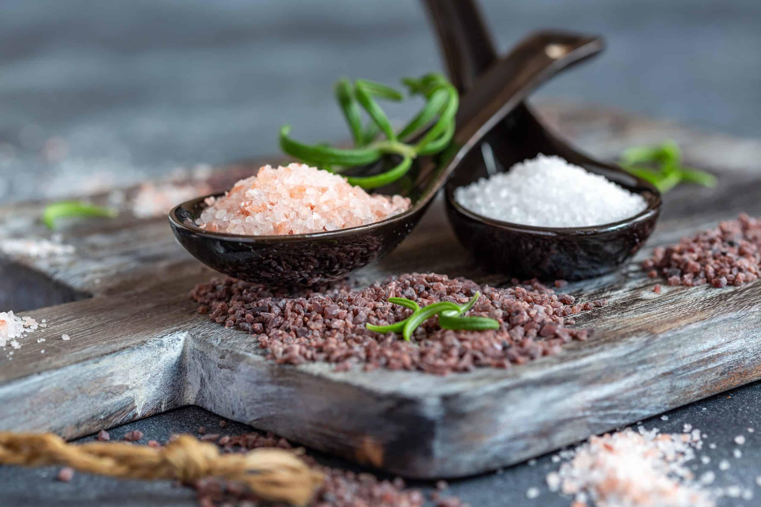 Pink salt vs. Regular salt - Battles of salt